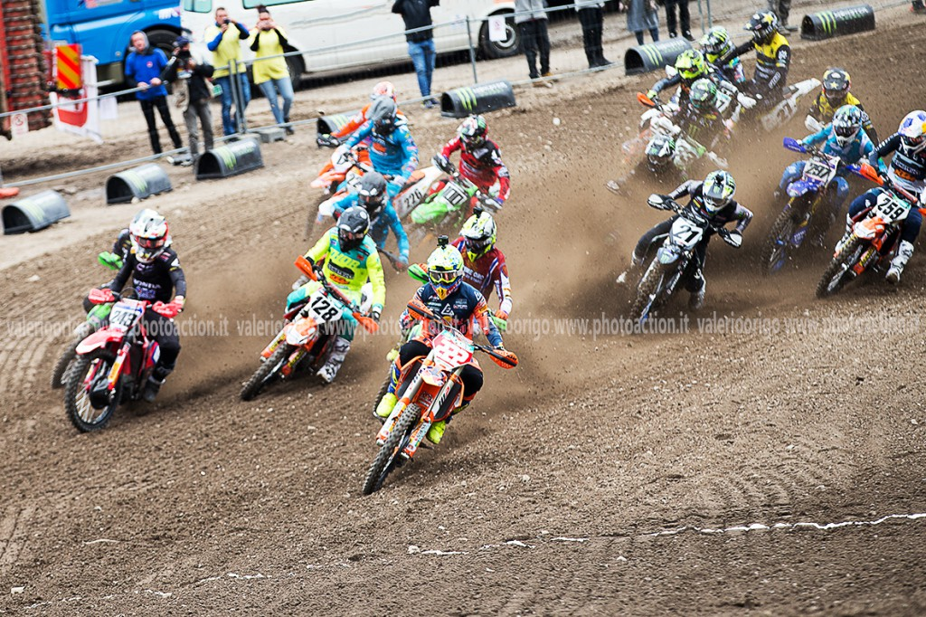Tony Cairoli (Red Bull Ktm Factory Racing) si è aggiudicato l'holeshot di run1