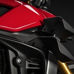 MY20_DUCATI_STREETFIGTHER V4 S_18_UC101701_Mid